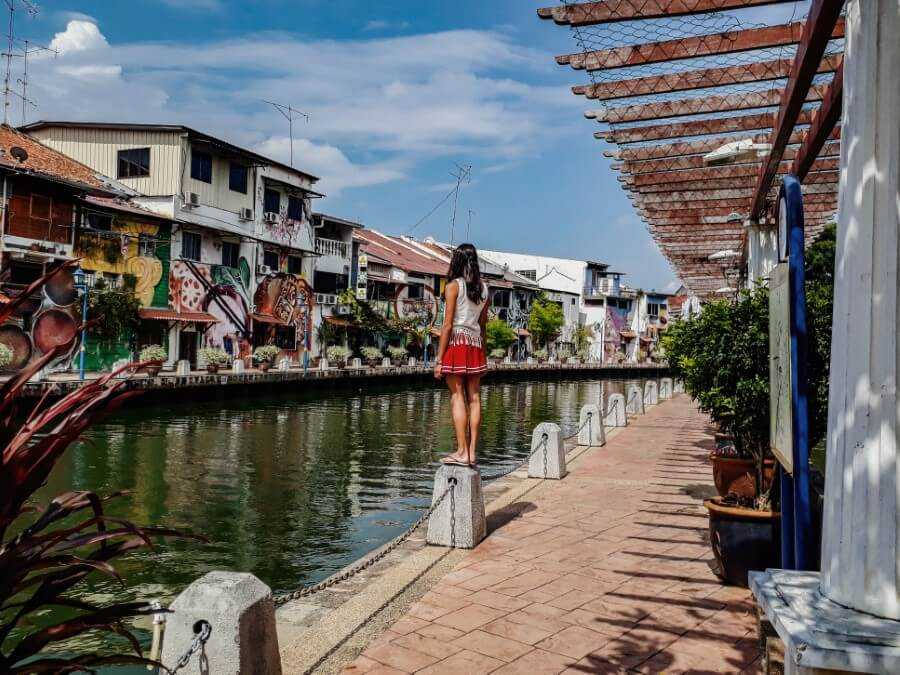 Hunting down street arts is one of the best things to do in Melaka Malaysia
