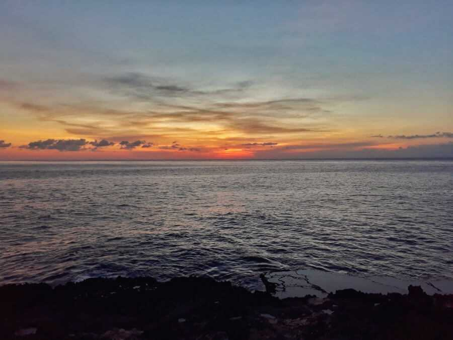 Sunset at the Devil's Tear in Nusa Lembongan