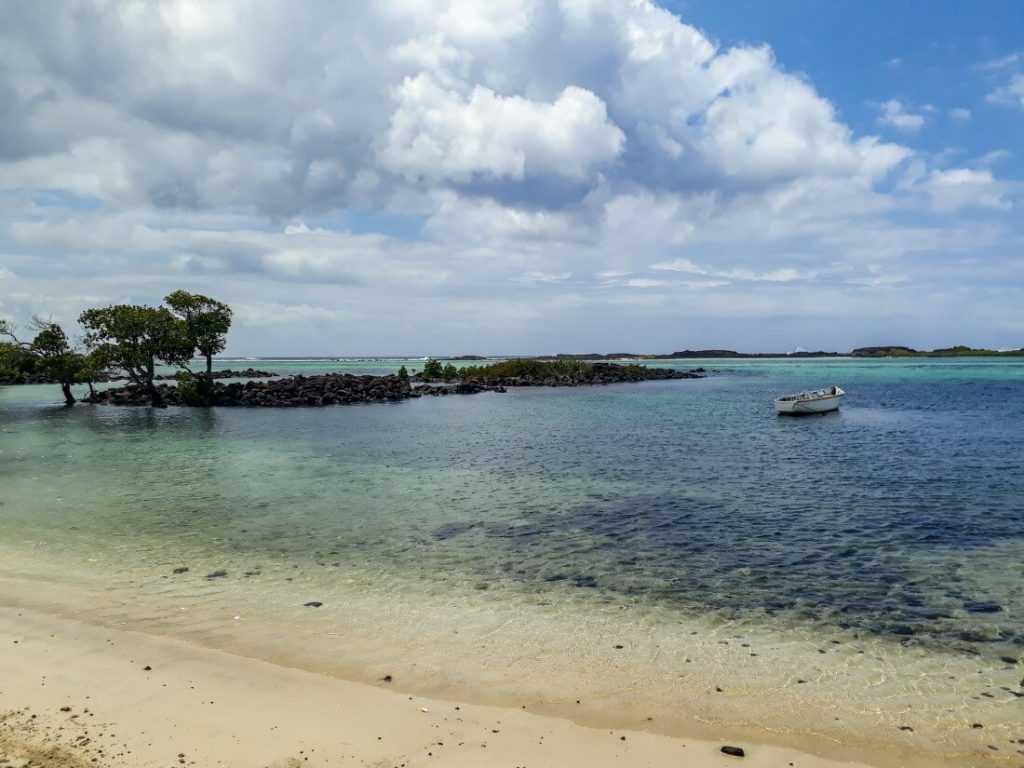 Le Bouchon - Mauritius beach guide
