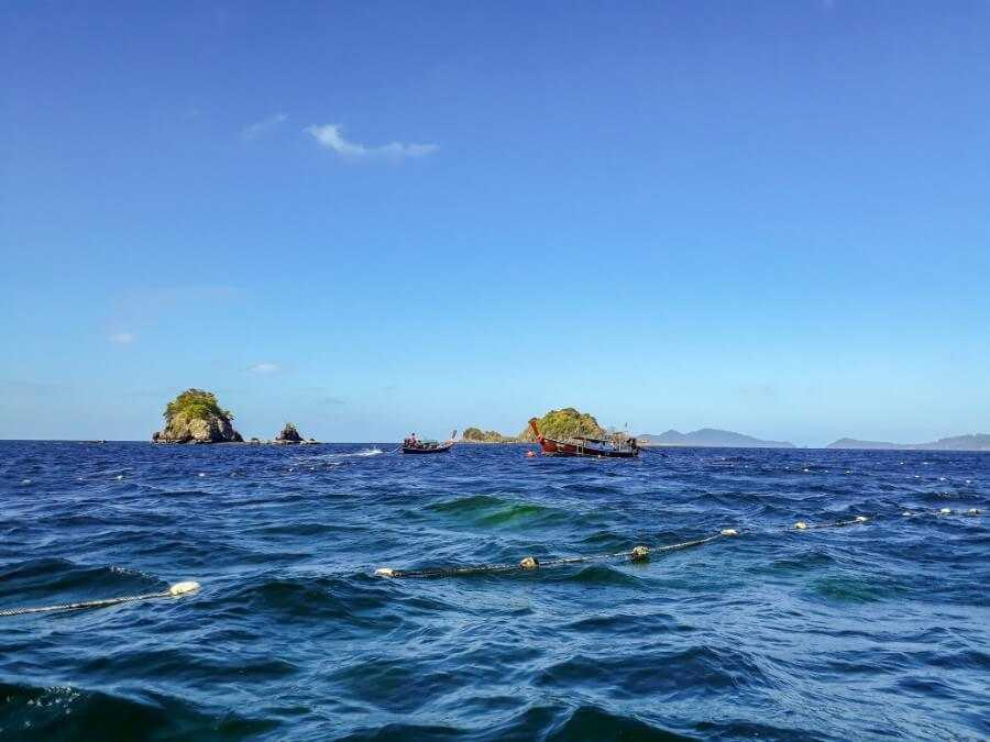 snorkeling in koh lipe thailand