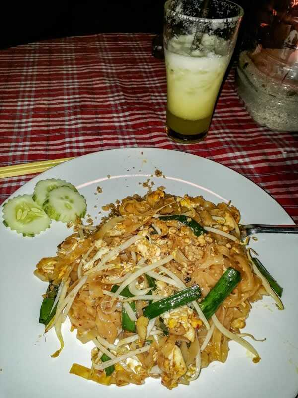 Local thai food - pad thai