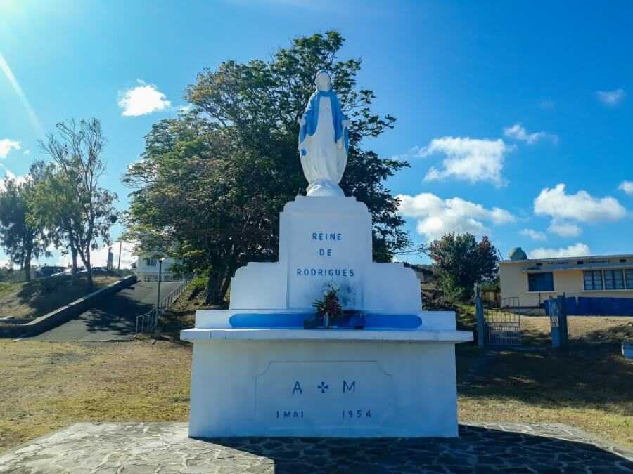 Statue of Virgin Mary at Pointe Canon in Rodrigues